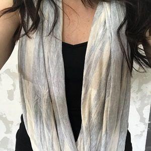 J crew 100 ways to wear wrap gray/white